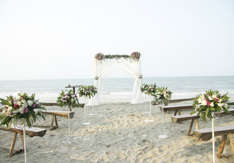 Be Able To Organise Your Wedding According The Theme You Have Set Hearts On An Example Would Rustic Beach Featured Here